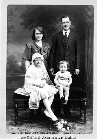 JamesArchibald&family.jpg (39447 bytes)