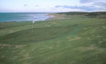 lossiemouth_golf_course.jpg (17625 bytes)